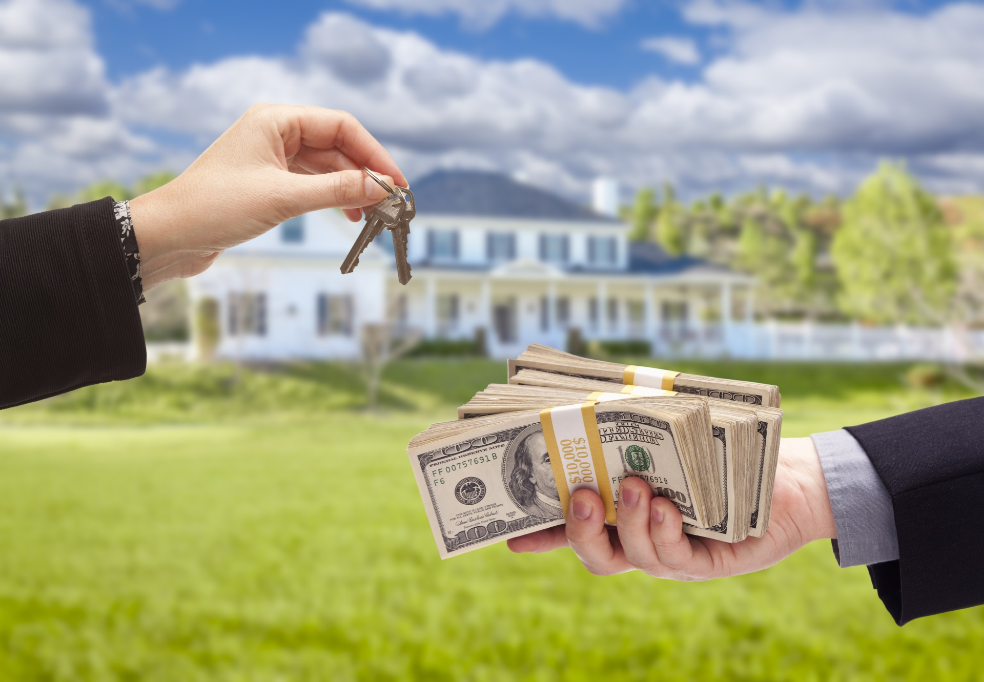 Should You Accept a Cash Offer on Your Home?