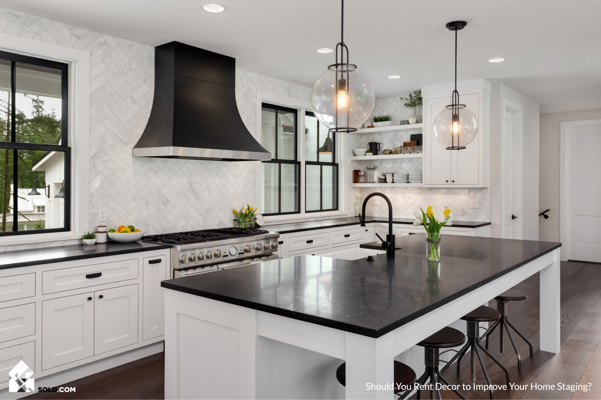 Should You Rent Decor to Improve Your Home Staging?